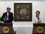 Le secrétaire d'Etat américain effectue une courte visite au Myanmar
