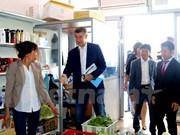 Des entreprises vietnamiennes en R. tchèque se renseignent sur de nouveaux règlements fiscaux