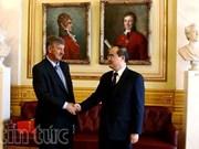 Le président du Comité central du Front de la Patrie du Vietnam en visite au Norvège