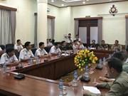 Des attachés militaires étrangers visitent le commandement de la Marine du Vietnam