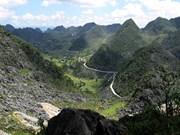 Vers le développement du tourisme sur le haut plateau calcaire de Dông Van