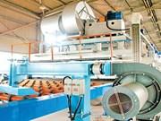 Inauguration de la chaîne de production de vitres permettant des économies d'énergie