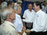 Le chef de l'Etat rencontre des électeurs de Ho Chi Minh-Ville