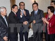 Le président philippin proclame le cessez-le-feu avant le début des négociations avec les rebelles
