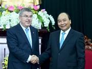 Le Premier ministre Nguyên Xuân Phuc reçoit les présidents du CIO et du COA