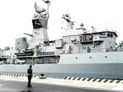 Une navire de la Marine royale australienne au port de Cam Ranh