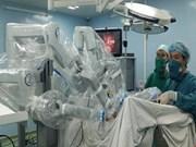 Binh Dan devient le premier hôpital vietnamien à robotiser l'intervention chirurgicale