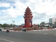 Inauguration des monumenst de l'amitié Vietnam-Cambodge et de la Liberté au Cambodge