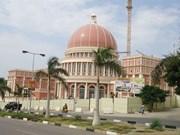 Des hommes d'affaires vietnamiens en Angola