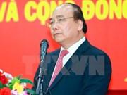 Le PM Nguyên Xuân Phuc part pour le 30ème Sommet de l'ASEAN à Manille