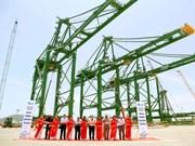 """Doosan Vina exporte trois grues """"made in Vietnam"""" en Inde"""