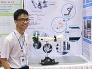 Un élève vietnamien fabrique avec succès un « bras robotisé pour les personnes handicapées»