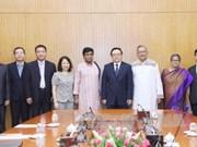 Promotion de la coopération entre les partis communistes vietnamien et bangladais