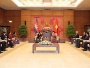 Le président de l'AN cambodgienne Heng Samrin en visite officielle d'amitié au Vietnam