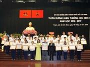 Hô Chi Minh-Ville honore 477 excellents élèves