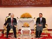 Le secrétaire général du PCV rencontre le président du Sénat cambodgien