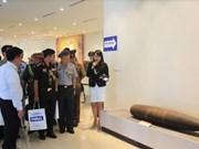 Des attachés militaires étrangers visitent le Centre contre les mines VNMAC