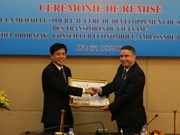 Le conseiller économique de l'ambassade de France au Vietnam à l'honneur