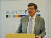 L'UE veut appliquer l'EVFTA dès que possible