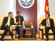 Vietnam et Hongrie renforcent la coopération dans les TIC