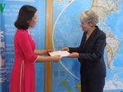 Irina Bokova salue le développement des relations UNESCO - Vietnam