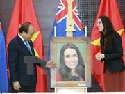 APEC 2017: le PM Nguyen Xuan Phuc rencontre son homologue néo-zélandaise