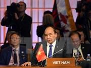Le PM Nguyen Xuan Phuc termine sa participation au 31e Sommet de l'ASEAN et aux conférences connexes