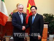 Le vice-PM Pham Binh Minh reçoit le ministre irlandais de l'Education et des Compétences