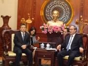Le secrétaire du Comité du PCV pour HCM-Ville reçoit des diplomates chinois et russe