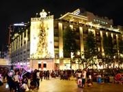 La magie de Noël a envahi les rues du Vietnam