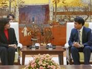 Le président du comité populaire de Hanoï reçoit l'ambassadrice de Cuba