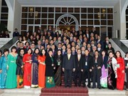Le Premier ministre reçoit des « Viet kieu »