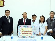 Le Premier ministre Nguyen Xuan Phuc visite l'hôpital C de Da Nang