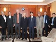 Les relations entre le PCV et le PCF sont en bonne voie de développement