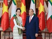 La conseillère d'Etat du Myanmar en visite officielle au Vietnam
