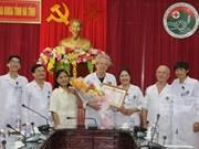 Des médecins français à l'honneur pour leurs contributions à la santé au Vietnam