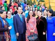 Le président Tran Dai Quang rencontre les députées de la 14e législature de l'AN