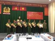 L'Ordre de développement du Laos à la police de Ho Chi Minh-Ville