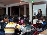 Cours d'anglais gratuit au sein d'une pagode à Hanoi