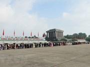 Plus de 38 600 personnes visitent le mausolée du Président Ho Chi Minh