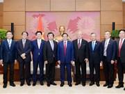Promouvoir la coopération entre les députés vietnamiens et japonais
