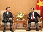 Le vice-PM Trinh Dinh Dung reçoit le vice-président de la BAII