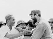 Images du leader cubain Fidel Castro lors de sa visite de la zone de libération du Sud du Vietnam