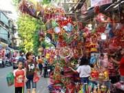 """HCM-Ville: Les lanternes """"made in Vietnam"""" trônent sur le marché"""