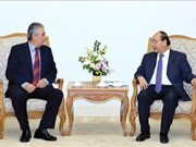Le PM Nguyen Xuan Phuc reçoit le secrétaire général de la Fédération syndicale mondiale