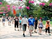 Vingt-cinq agences de voyage de l'Europe sondent le marché touristique de Hanoi