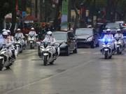 Le président Kim Jong-un visite l'ambassade de la RPDC à Hanoi