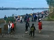 Inauguration d'un pont piétonnier le long de la rivière Huong à Hue