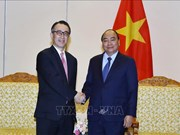 Le PM Nguyen Xuan Phuc reçoit le directeur général de la banque japonaise MUFG