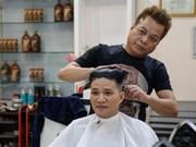 Un coiffeur reproduit gratuitement les coupes de Trump et Kim
